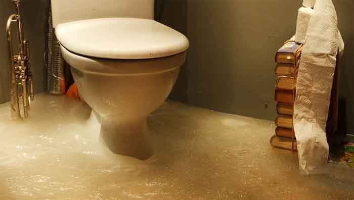 How To Unclog An Overflowing Toilet Amarco Plumbing