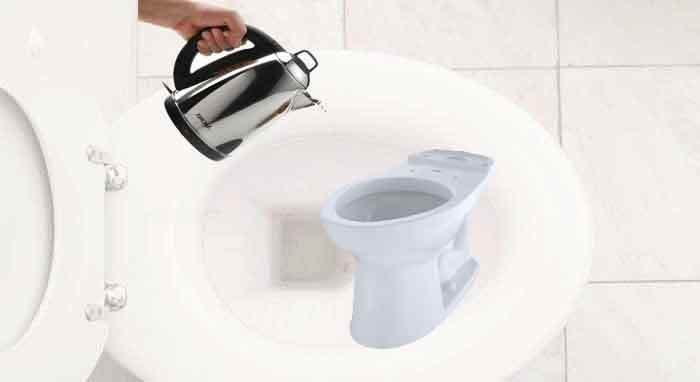 pour-hot-water-into-toilet-bowl