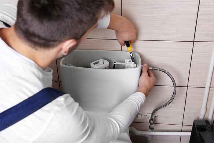 how-to-flush-a-toilet-when-the-handle-is-broken